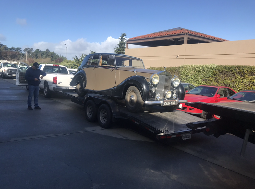 Towing Carlos Santana\'s Bentley
