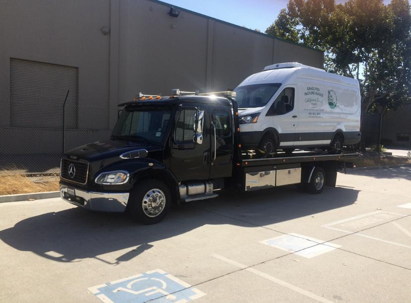 Calderon Tow & Auto - Oakland, CA