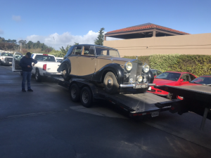 Towing Carlos Santana's Bentley
